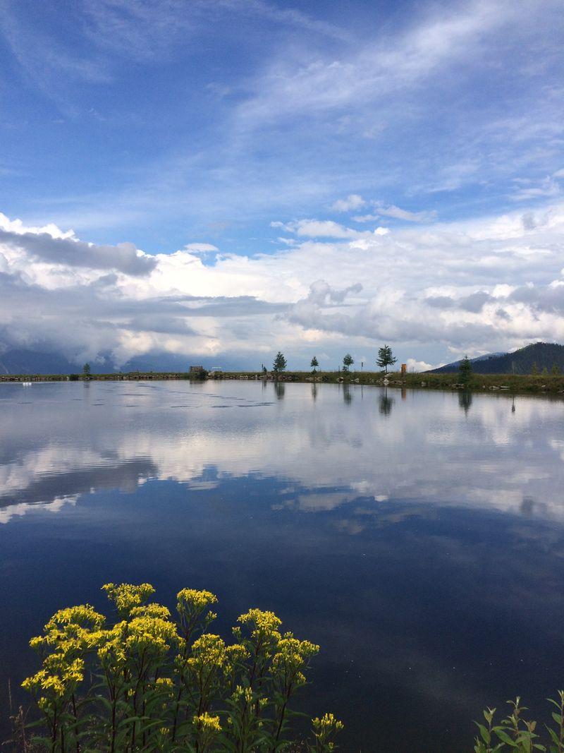 Uns Flachlandtiroler haben Österreichs Berge immer wieder von Neuem umgehauen. An der Reiteralmhütte in der Steiermark sind wir auf diesen bezaubernden Anblick gestoßen!