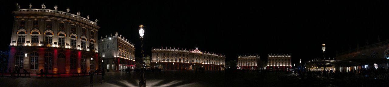 """Gegen Mitternacht wird es ruhiger auf dem """"Place Stanislas"""". Gelegenheit, den Platz noch einmal ganz ungestört zu genießen."""