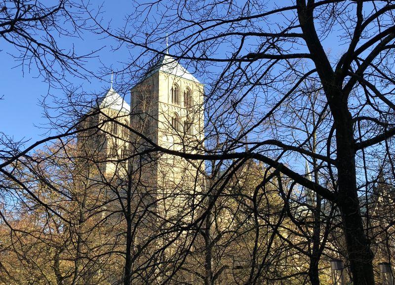 Der Baubeginn der markanten Kathedrale geht auf das Jahr 1192 zurück.