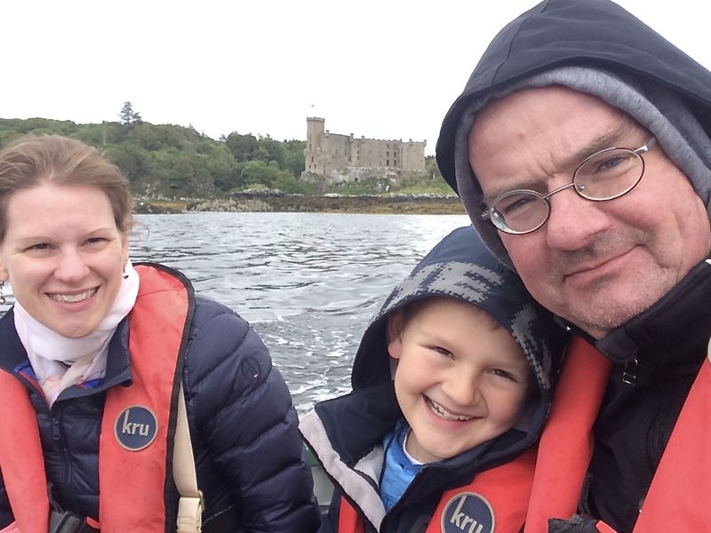 Schwimmwesten sind Pflicht auf dem Seal Trip. Schließlich haben wir nicht so viel Speck wie die Robben, wenn wir über Bord gehen ...