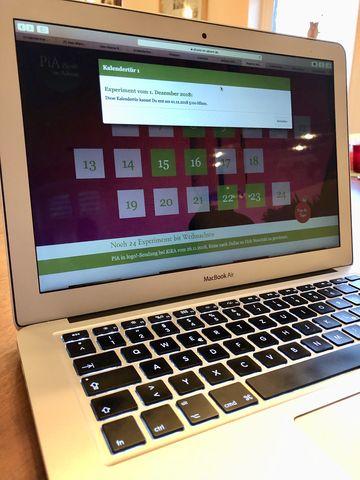 Es ist erst der 30. November. Aber wir sind so neugierig, dass wir schon einmal auf das erste Feld klicken ... Zu früh gefreut: Der Computer sagt uns, dass wir noch warten müssen.