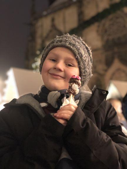 Das Beste an der Weihnachtszeit: Man darf Süßigkeiten schleckern, ohne dass einer meckert! Auf dem Lambertimarkt habe ich diese Leckerei gefunden!