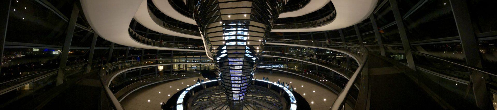 Auf der Panorama-Aufnahme wirkt die Kuppelarchitektur besonders beeindruckend!
