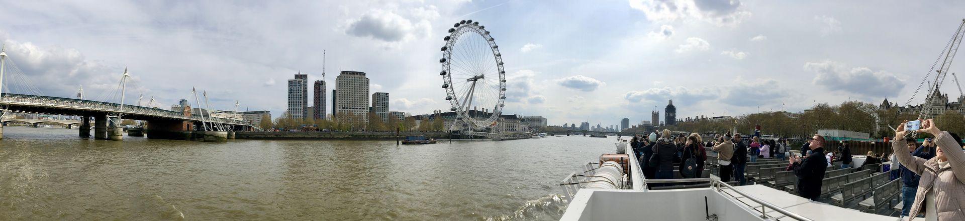 Landmarke am Themseufer. Mit 135 Metern ist das London Eye das höchste Riesenrad Europas.