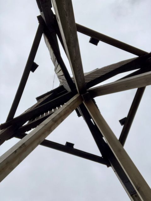 Hans-guck-in-die-Luft lässt grüßen: Ein Blick auf die Konstruktion aus dieser Perspektive lohnt sich!