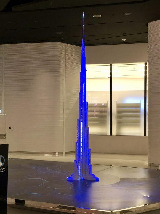 Der Y-förmige Grundriss bringt Stabilität: Die drei Säulen des Burj Khalifa stützen sich gegenseitig.
