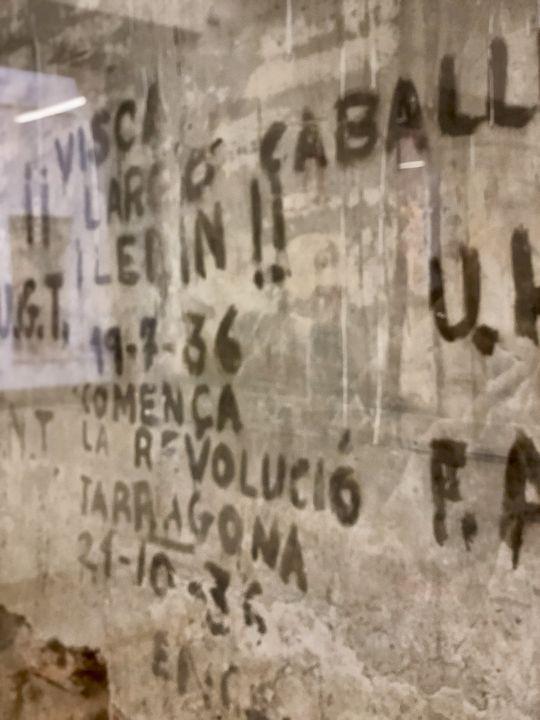 Dieses Graffiti stammt natürlich nicht von den Römern - sondern aus der Zeit des Spanischen Bürgerkrieges.
