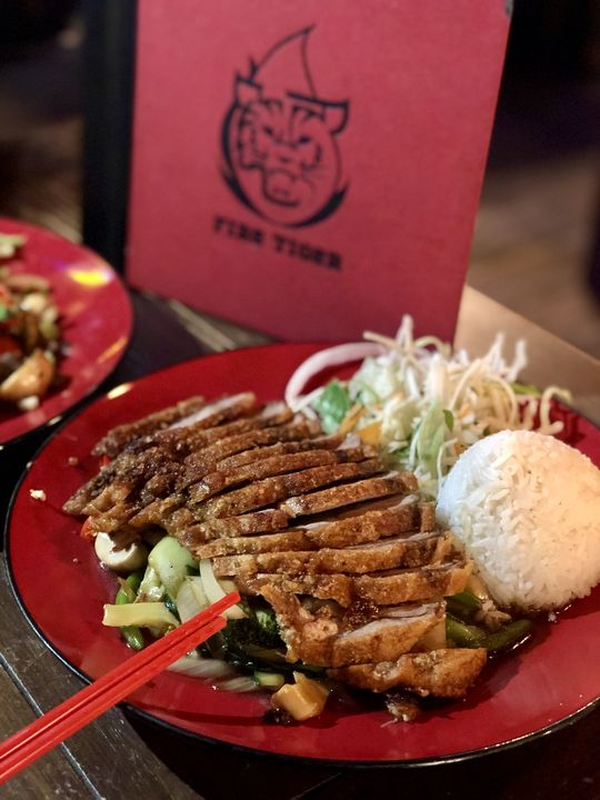 Zu Berlin-Tipps gehört auch Kulinarisches: Beim Fire Tiger in der Revaler Straße gab's herrlich scharfe vietnamesische Spezialitäten.