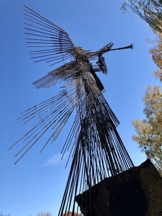 In der Stadt Tschernobyl setzen sich viele Skulpturen wie dieser Todesengel mit dem GAU auseinander.