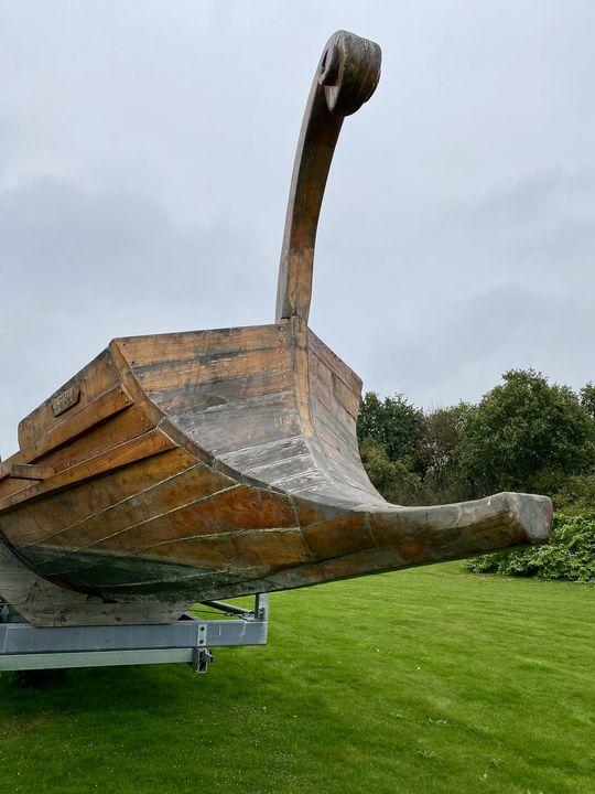 Mit Booten wie diesen haben die Römer ihre Ziele über den Wasserweg angesteuert. Eine Probefahrt hat gezeigt: Das funktionierte ganz prima!