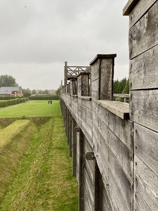 Von den bis zu acht Meter hohen Befestigungsanlagen aus hatten die Legionäre einen hervorragenden Blick auf mögliche Angreifer.